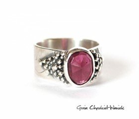 Srebrny pierścień z rodolitem