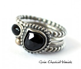 Spinel, onyx & Gold