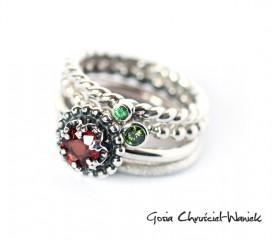 Czerwony szafir, zielony diament i tsavoryt