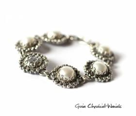 """Bransoleta """"White Pearl"""""""