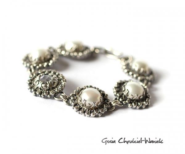 Srebrna bransoleta z perłami i cyrkoniami
