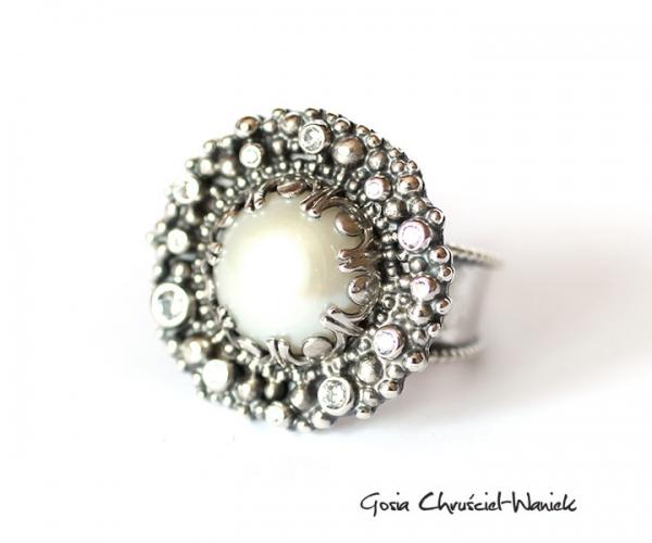 Pierścionek ze srebra z perłą i cyrkoniami