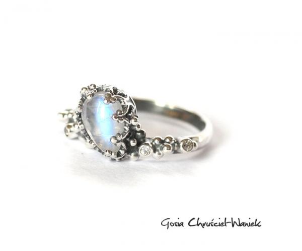 Moonstone, pierścionek z kamieniem księżycowym