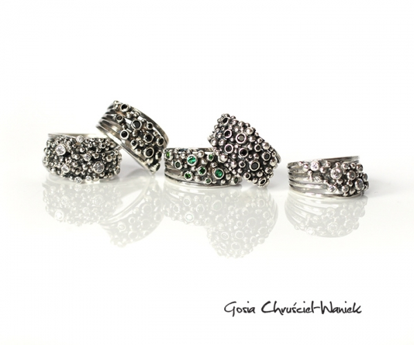 Srebrne pierścionki z kolekcji Springs