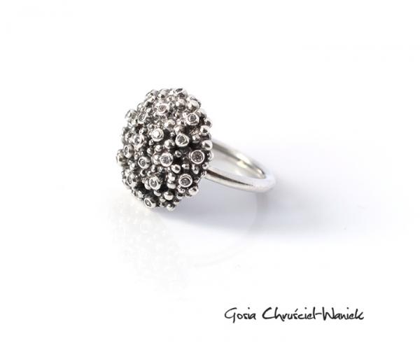 Srebrny pierścionek Nautilus