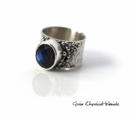 Srebrny pierścień z labradorytem