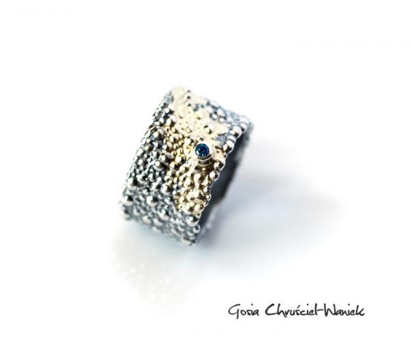 Srebrno-złoty pierścuinek z kolekcji Symbiosis