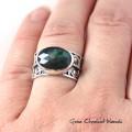 Srebrny pierścionek z naturalnym szmaragdem