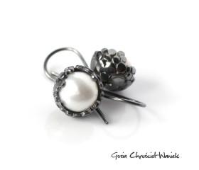 """Kolczyki """"Paths"""" z białymi perłami"""