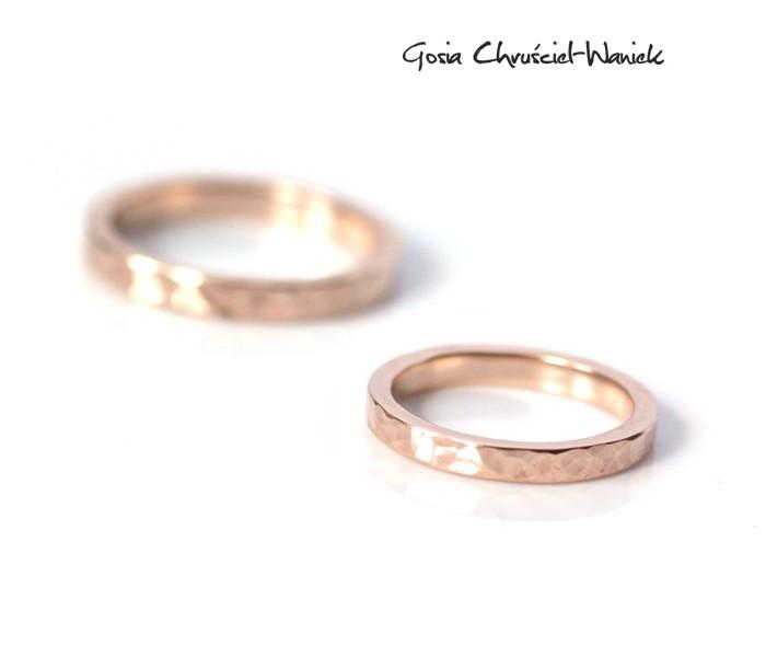 Ręcznie robione obrączki ślubne z różowego złota