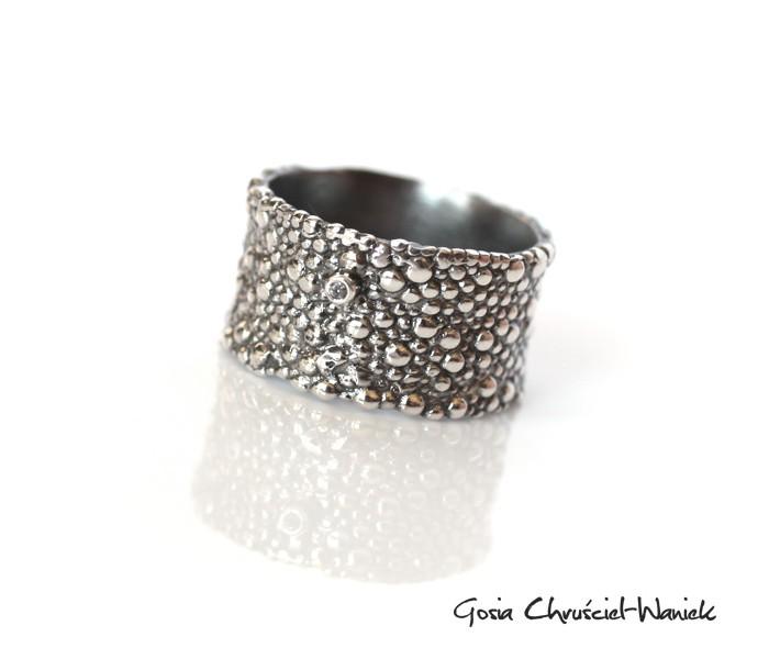 Okazały pierścionek z diamentem