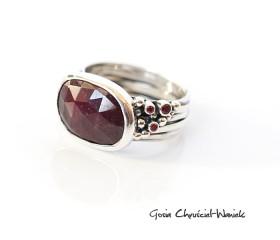 Naturalny rubin w srebrze