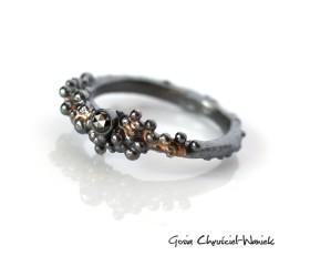 Symbiosis z czarnym diamentem