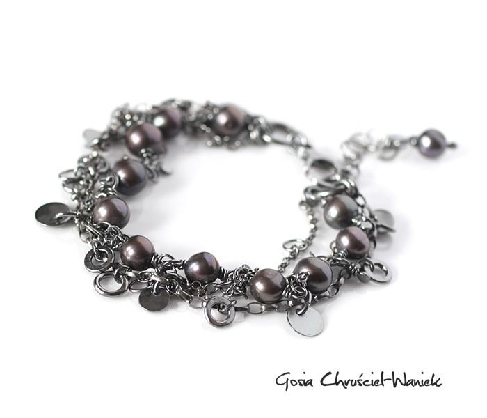 Srebrna bransoleta z naturalnymi perłami