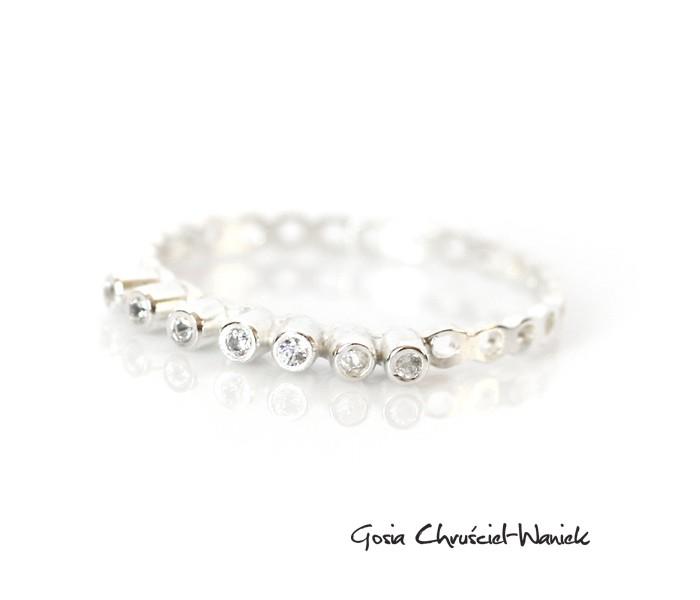 Ażurowy, srebrny pierścionek