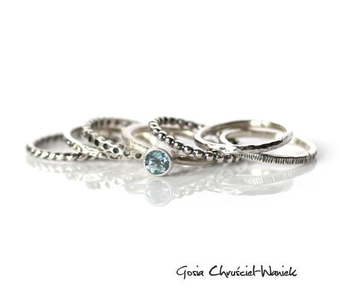 Zestaw srebrnych pierścionków z topazem sku blue