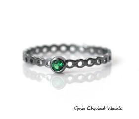 Simple Emerald