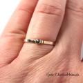 Fakturowany złoty pierścionek