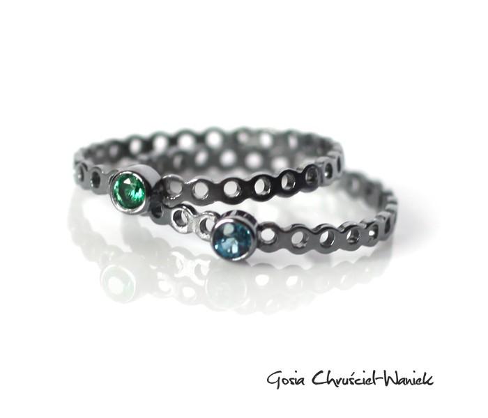 Ażurowe pierścionki ze srebra