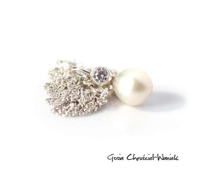 Naszyjnik z perłą i cyrkonią