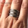Młotkowany pierścionek
