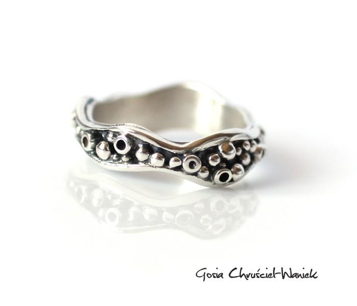 Organiczny, srebrny pierścionek