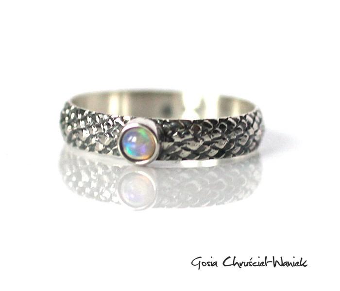 Smoczy pierścionek w srebrze