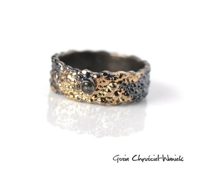 Srebrno złota obrączka z diamentem