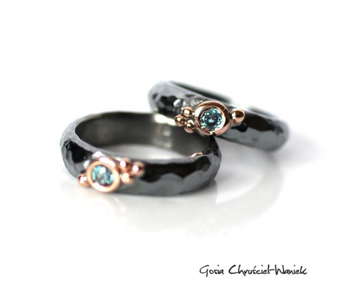 Srebrno złote pierścionki z aleksandrytami