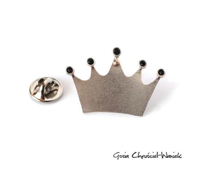 Srebrna korona pin / broszka