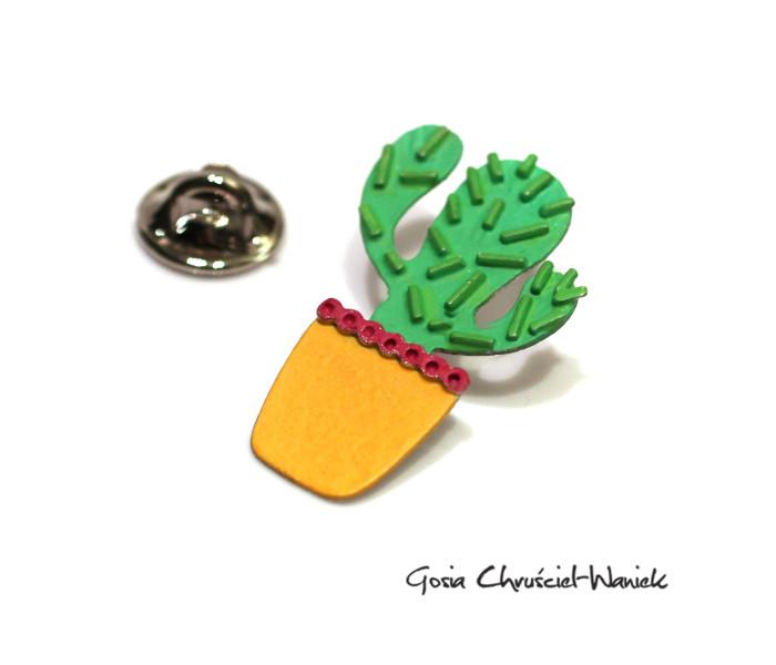Pin, broszka, przypinka z kaktusem
