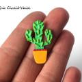 Ręcznie robiony pin z kaktusem