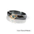 Organiczny pierścionek z turkusowym diamentem
