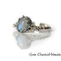 Moonstone - pierścionek ze srebra z cyrkoniami i złotem