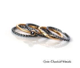 Zestaw pierścionków z czarnym diamentem