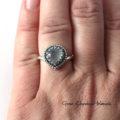 srebrny pierścionek z chalcedonem