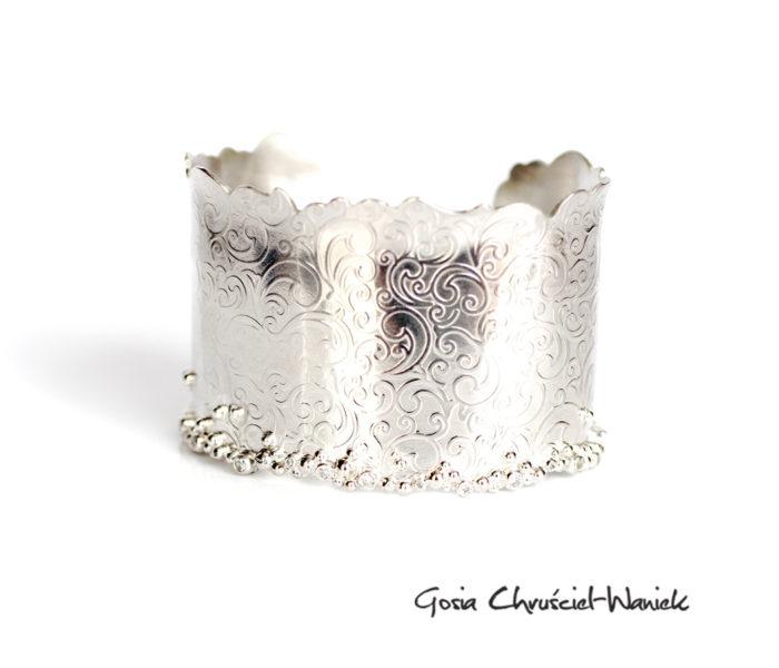 Srebrna, szeroka bransoleta z cyrkoniami