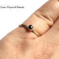 Zaręczynowy pierścionek z czarnym diamentem