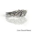 Srebrny pierścionek z granulkami i szafirami