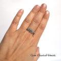 Organiczny srebrny pierścionek z granulkami
