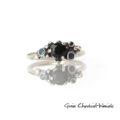 Srebrny pierścionek z kamieniami szlachetnymi