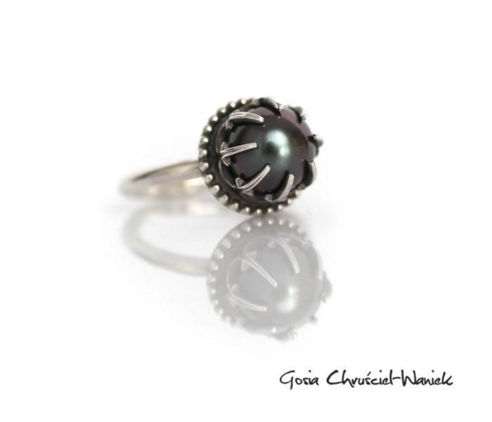 Pierścionek z czarną perłąTahiti