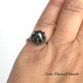 Zaręczynowy pierścionek z czarną perłąTahiti