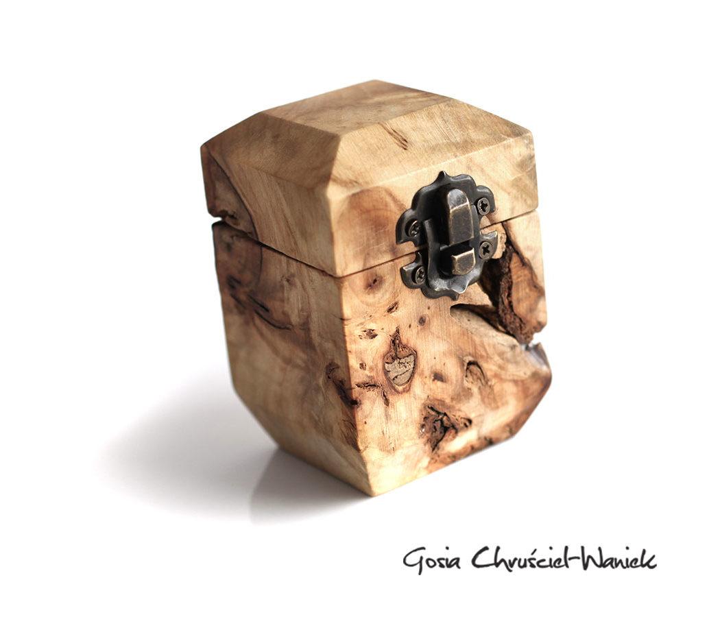 Drewniane pudełko na obrączki