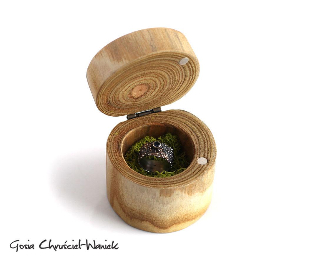 Pudełko drewniane z sumaka na biżuterię