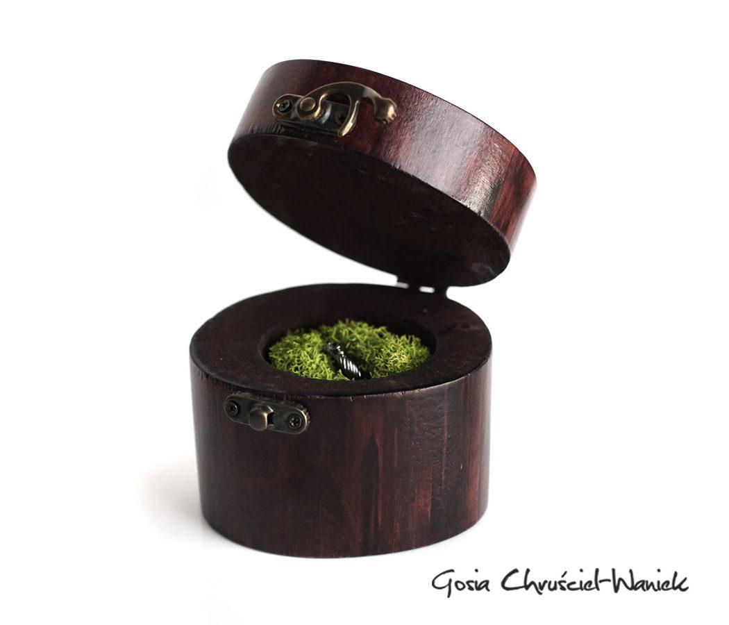 Bejcowane pudełko na biżuterię z brzozy