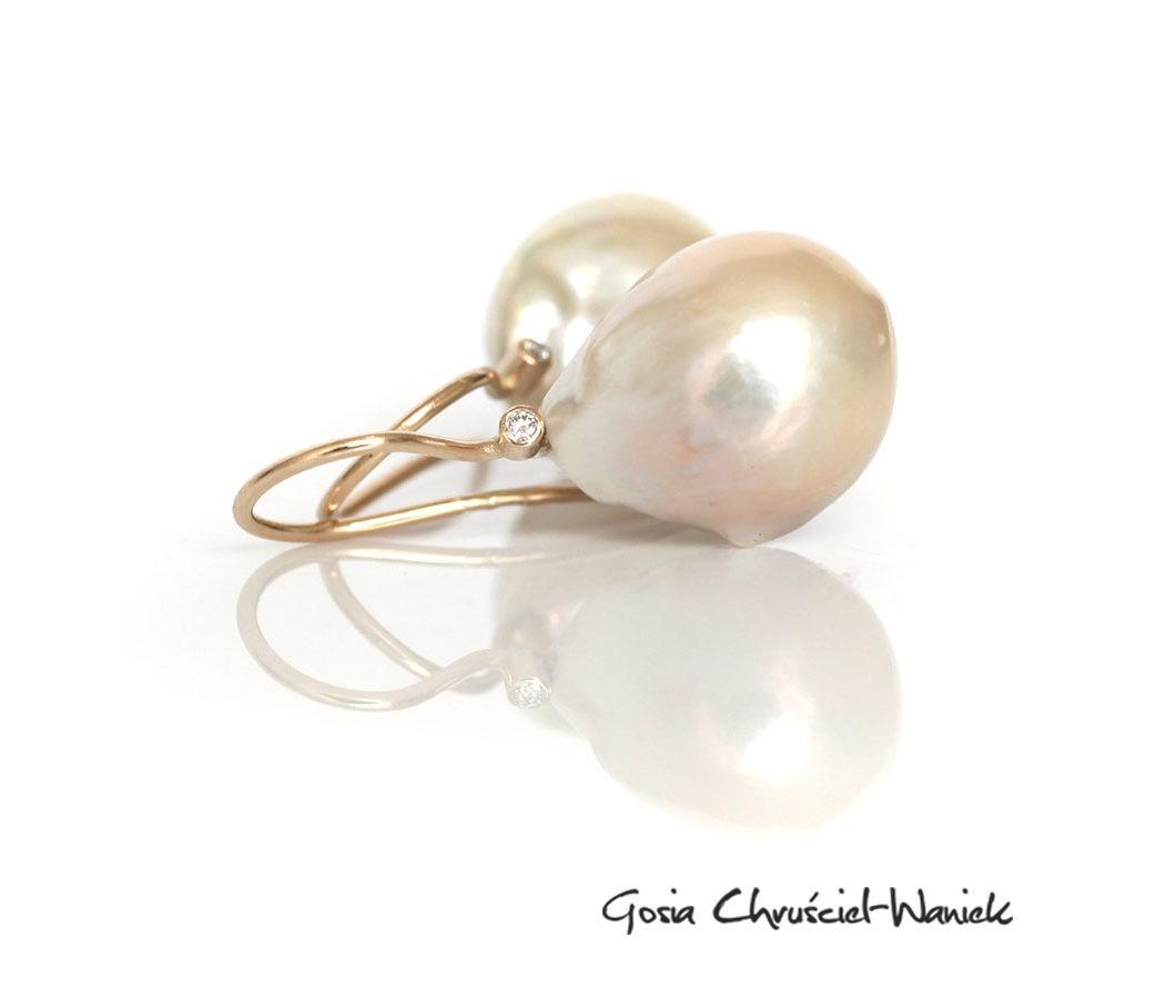Kolczyki z barokowymi perłami, brylantami i złotem