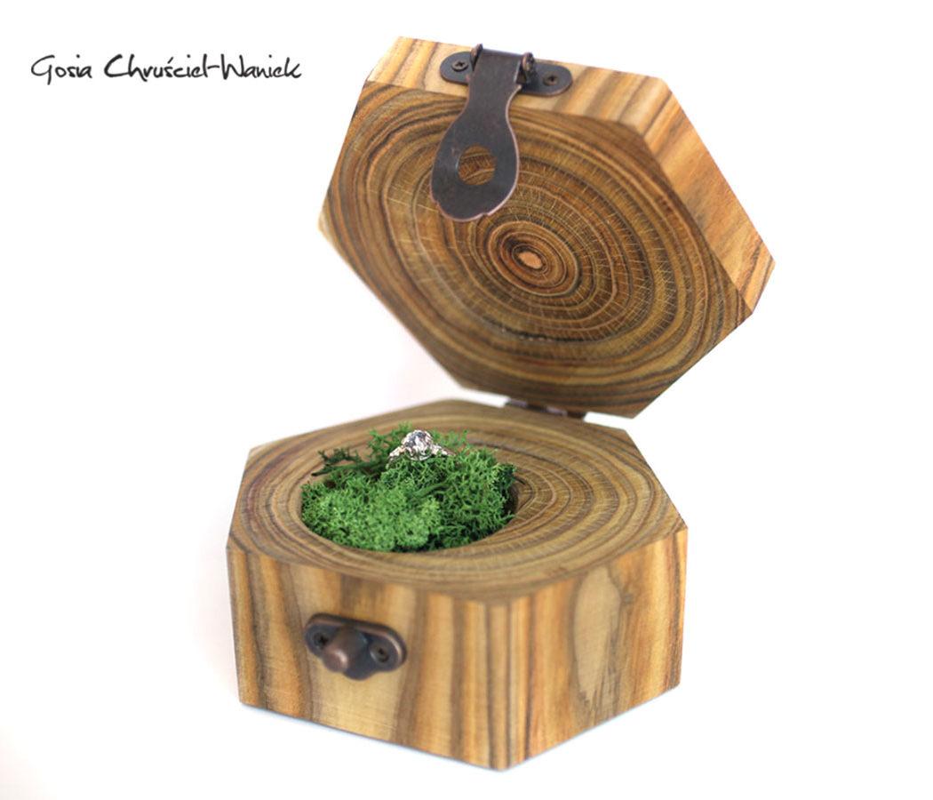 Pudełko na biżuterię z sumaka