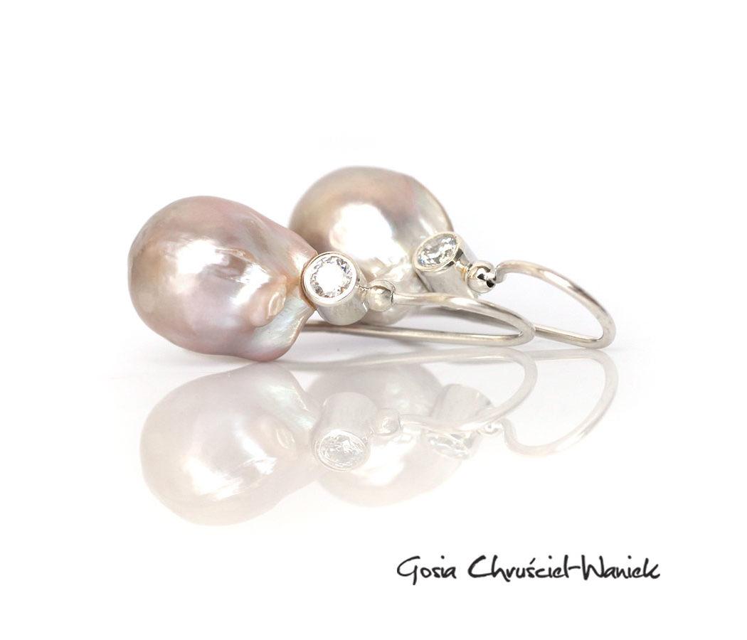 Okazałe barokowe perły w srebrze