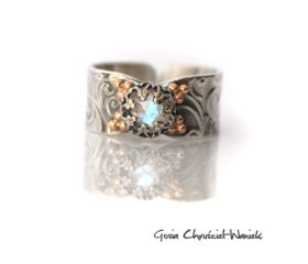 Srebrno złoty pierścionek z moonstonem
